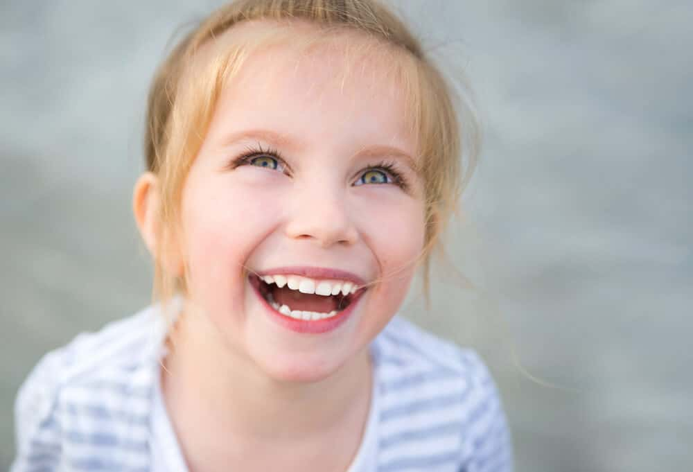 Can a kids dentist in Boca Raton help fight tooth decay in my child?