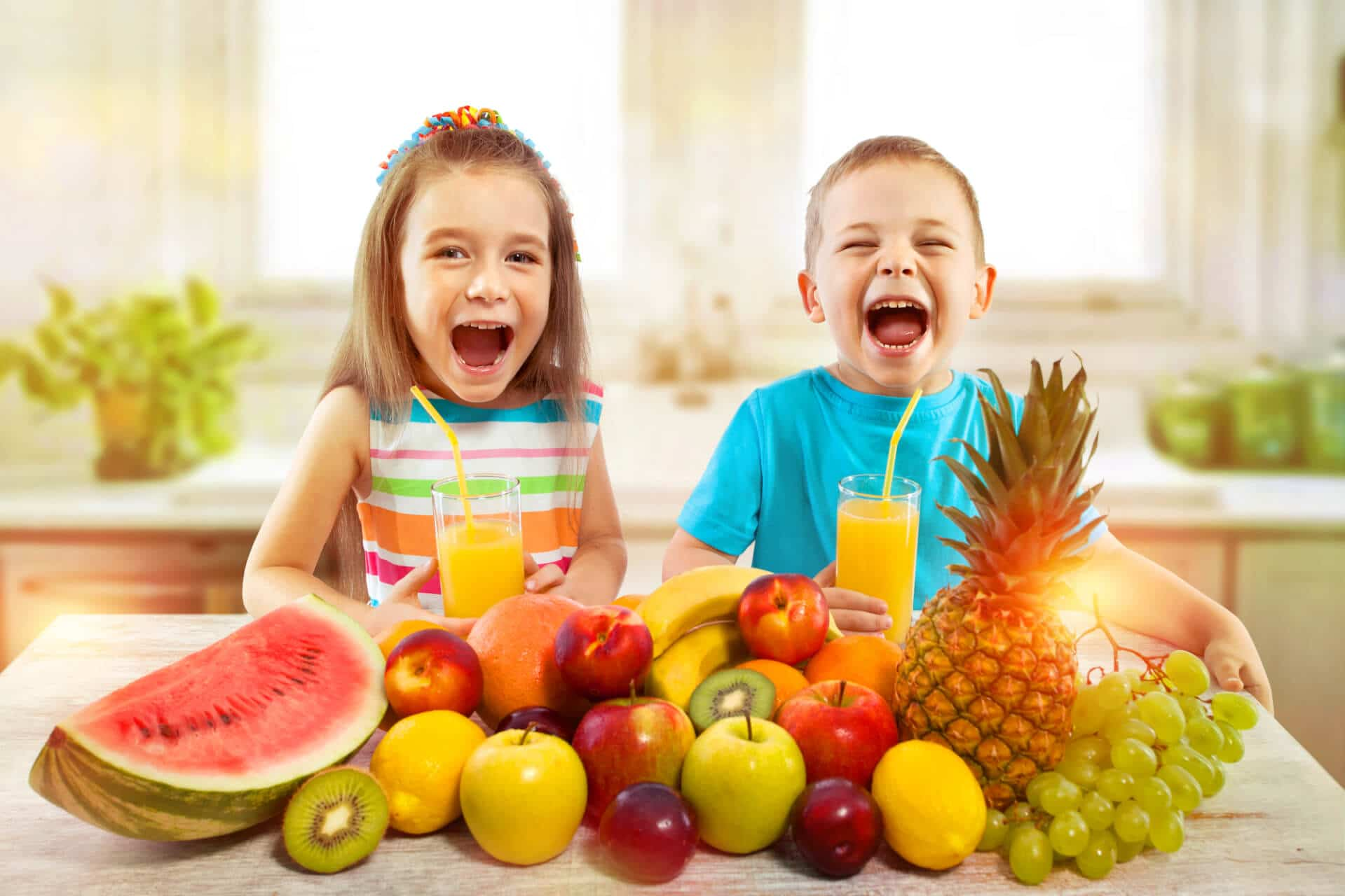 What foods does Palm Beach Pediatric Dentistry recommend for healthy teeth?
